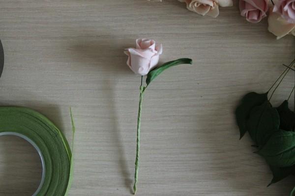 Лепка из полимерной глины розы