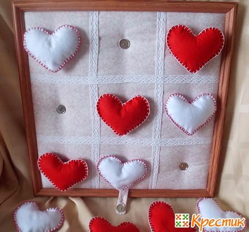 Крестики-нолики из сердечек