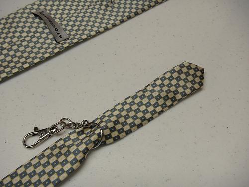 Брелок из галстука