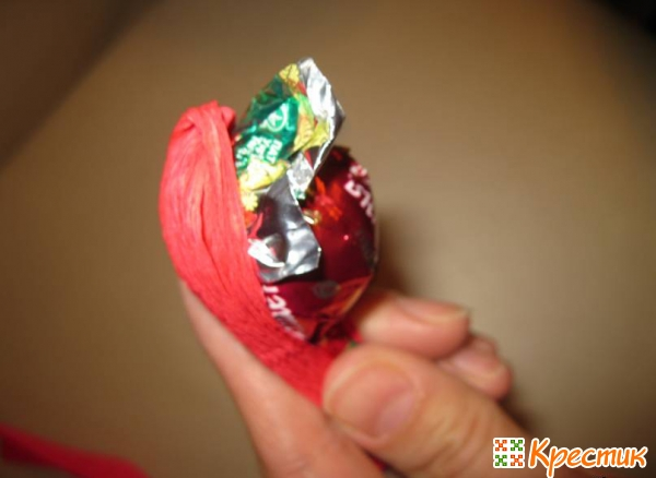 Тюльпан из конфет мастер класс