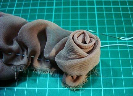 Скручиваем розу