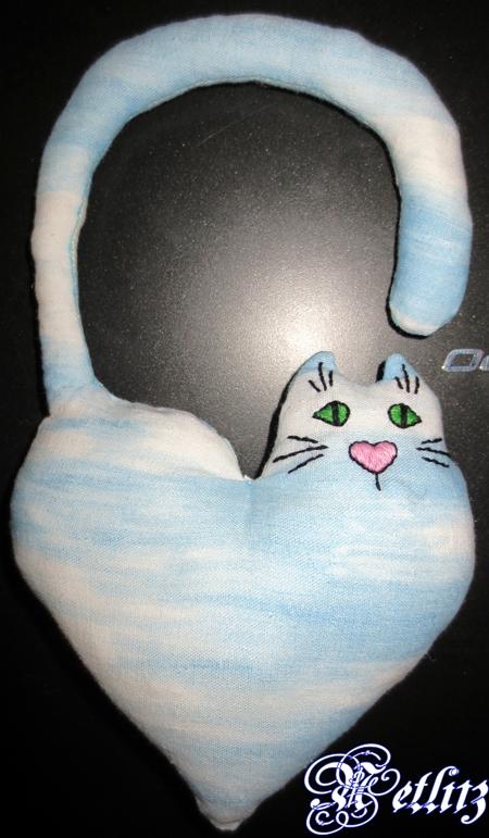 Сердце-кот из ткани