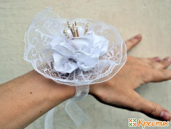 Повязка на руку подружке невесты