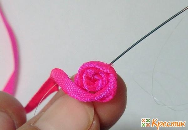 МК розы из атласной ленты