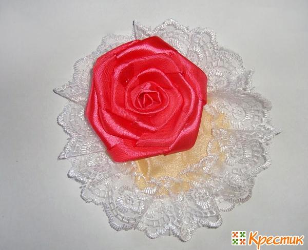 Приклеиваем розу на ткань