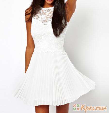 Белое платье с кружевным верхом