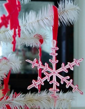 Многослойная снежинка из фетра
