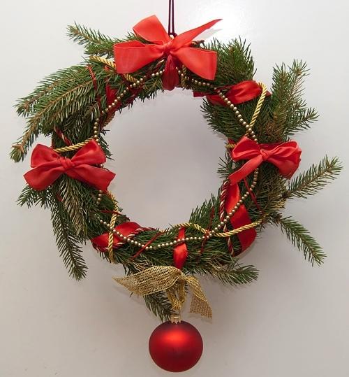Рождественские венки своими руками из еловых веток