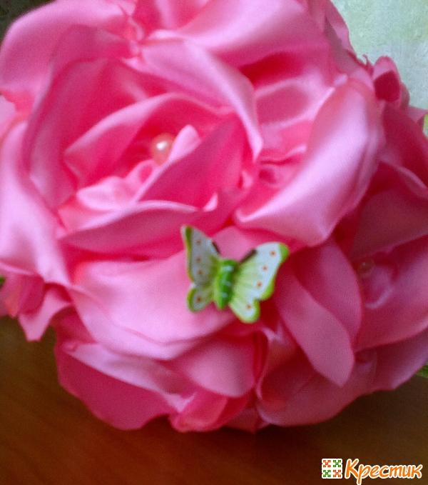 Декорируем крону бабочкой