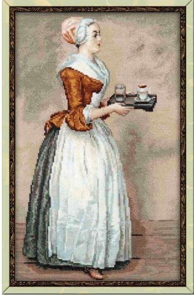 Женщина с чашкой шоколада на подносе