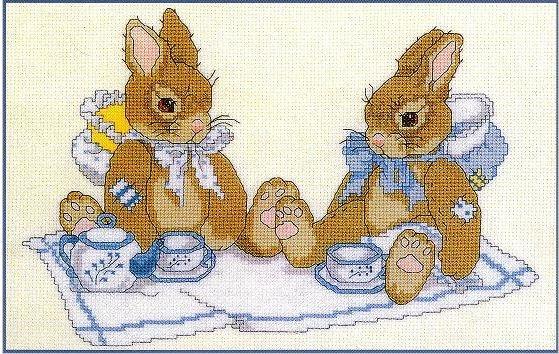 Зайчата с чаем