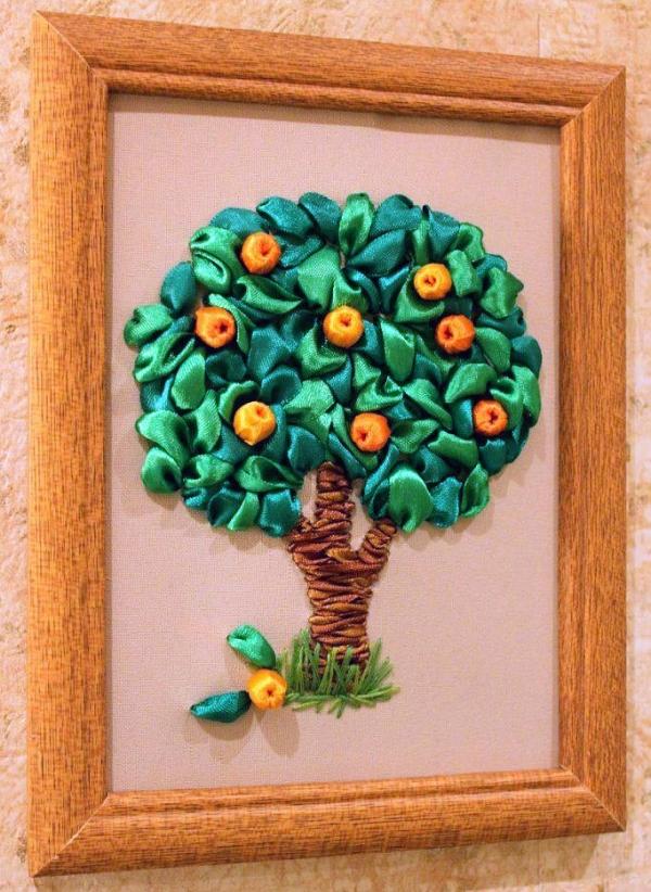 Вышивка лентами дерева