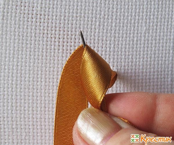 Вышивка лентами узелки