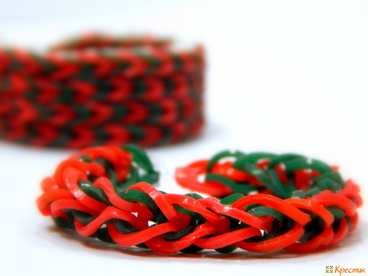 Плетение из резиночек на рогатке браслеты схемы фото для начинающих
