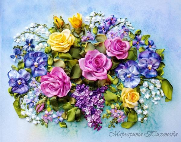 Картина с вышитыми цветами