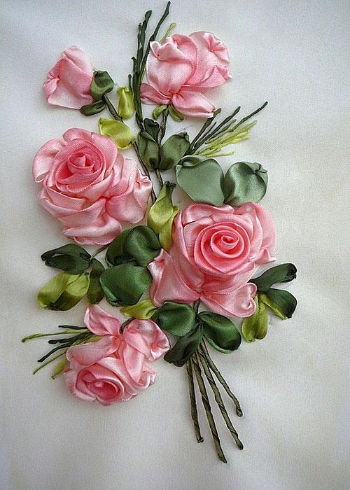 вышитые розы лентами фото