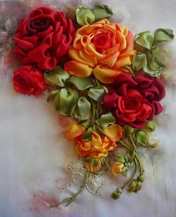 Вышитые лентами розы