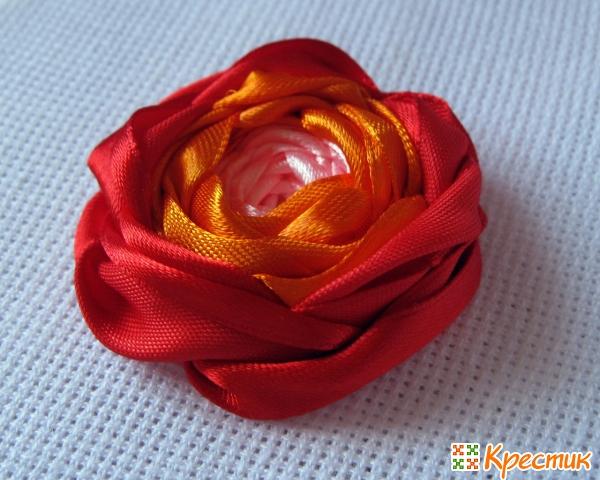 Роза Паутинка из узких лент