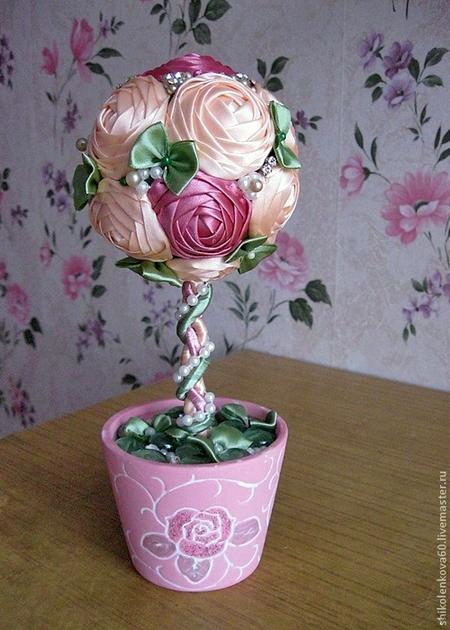 Топиарий розы из атласных лент своими руками