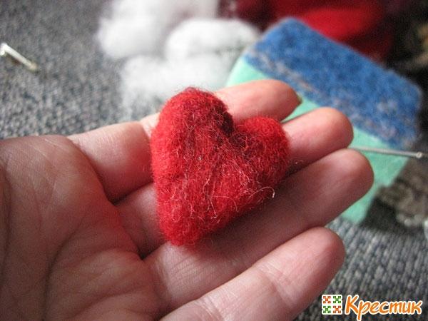 Валяние из шерсти сердечка