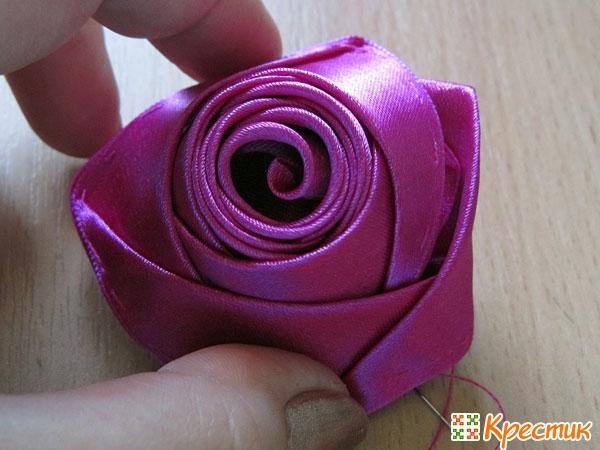 Бутон розы из лент