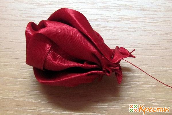 Как собрать розу из лент