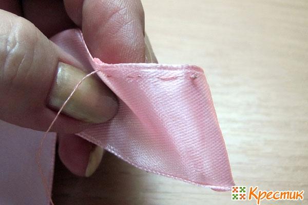 Прокладываем намёточный шов по кромкам