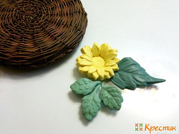 Цветок и листики для украшения