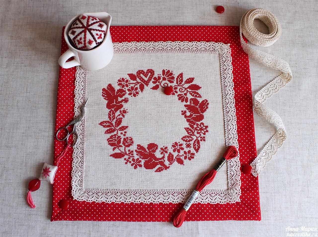 Из чего сделать салфетки с вышивкой