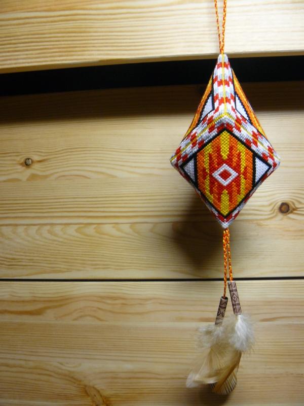 Вышитый кристалл с этническим мотивом индейцев сиу