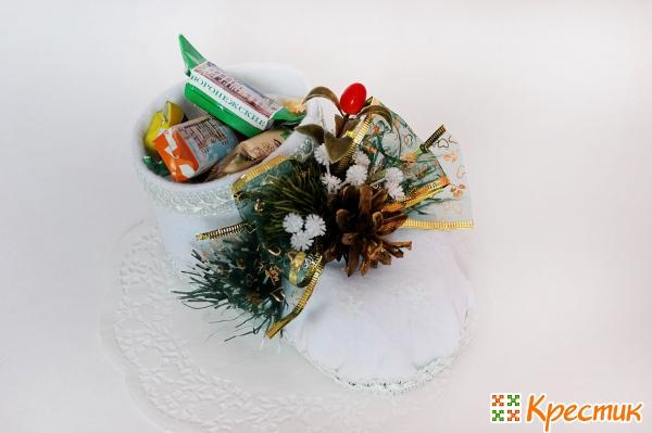 Новогодний подарок с конфетами своими руками