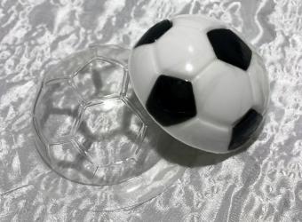 Мыло в виде футбольного мяча