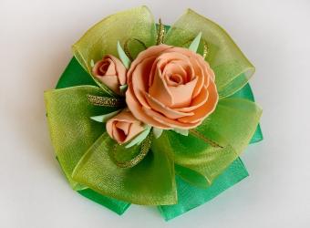 Заколки для волос с розами из фоамирана