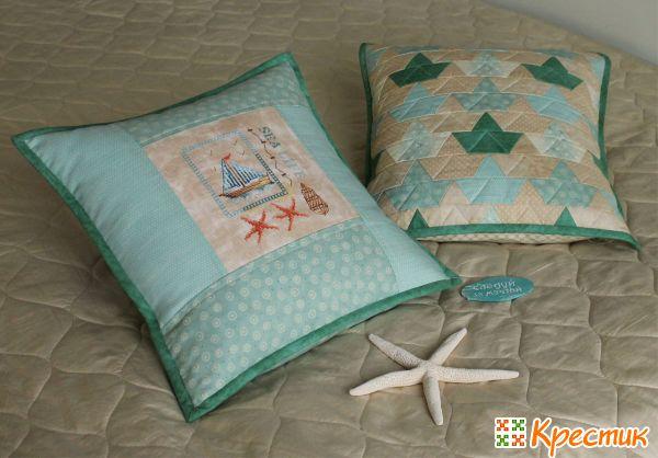 Диванные подушки в детскую комнату