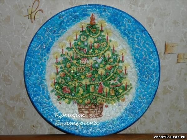 Тарелки на стенки: декупаж из яичной скорлупы