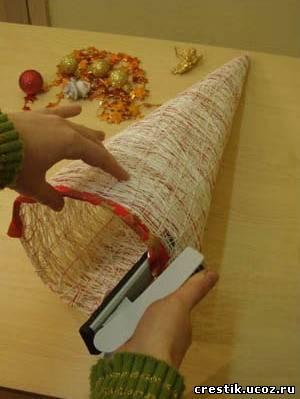 Как сделать ёлку своими руками из ниток