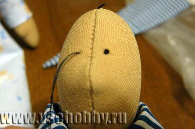 Подтягиваем нитку французский узелок готов