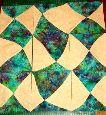 соединяем лоскутные квадраты в полотно
