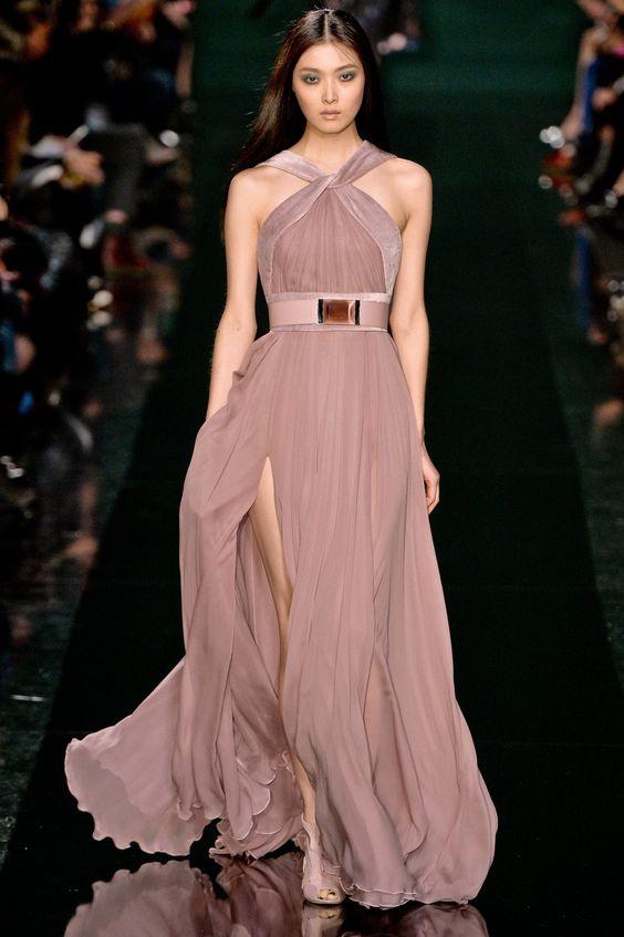 Платье из атласа и шелка