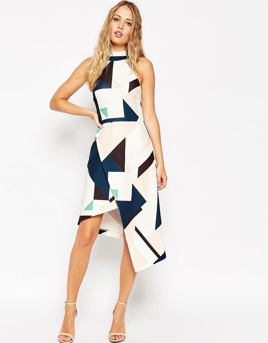 Ассиметричное платье с геометричным принтом