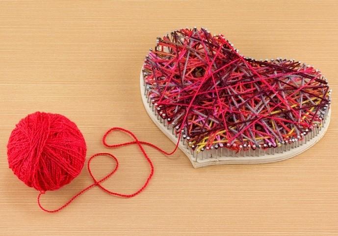 В качестве основы — деревянная заготовка в виде сердечка