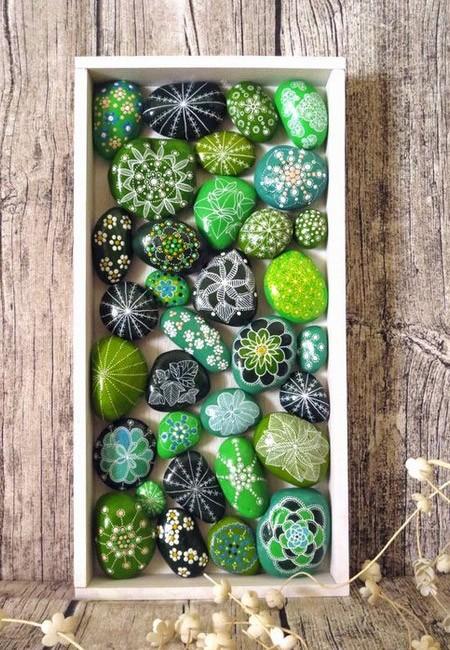 Сад камней, расписанных вручную