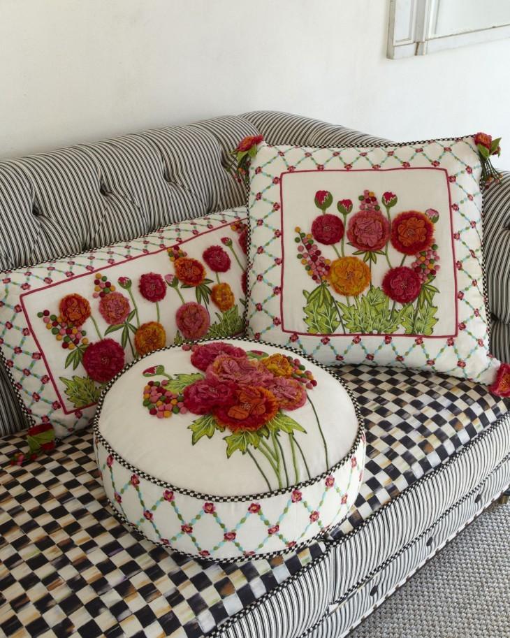 Декоративные подушки - всегда в тему