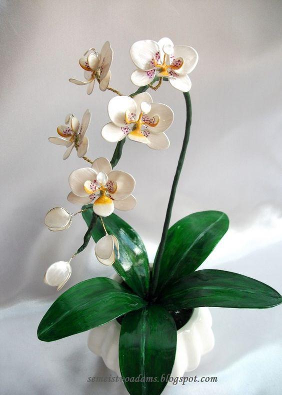 цветок из проволоки и картона