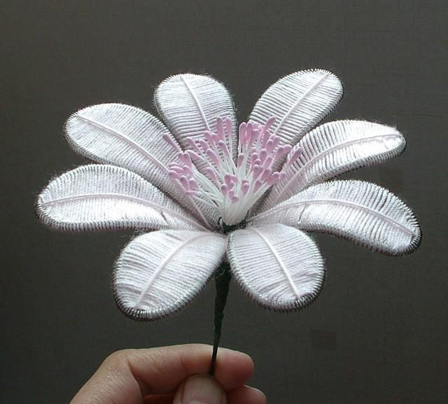 цветок в технике ганутель
