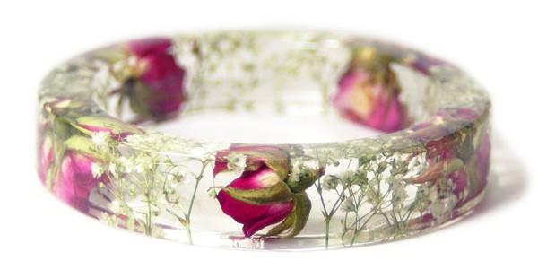 Браслет из эпоксидной смолы с розами