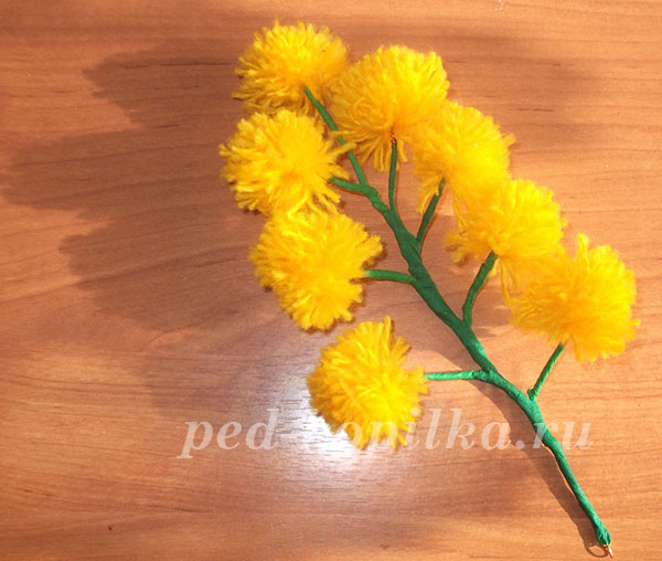 цветы из ниток своими руками