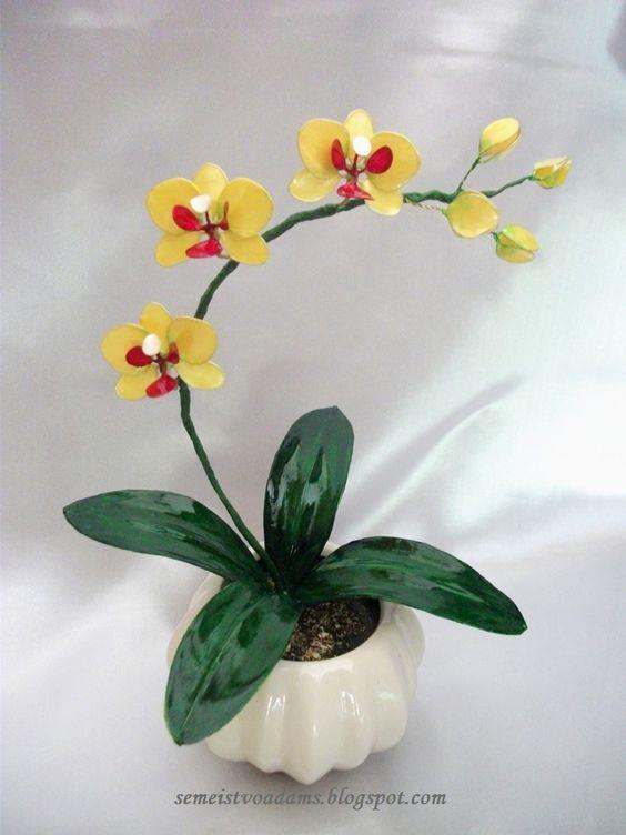 Цветок орхидеи из капроновых колготок