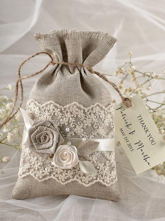 мешочек из мешковины с цветами