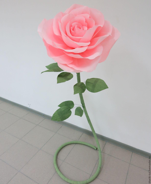 Металлопластиковая трубка надежно держит цветок и отлично смотрится в интерьере